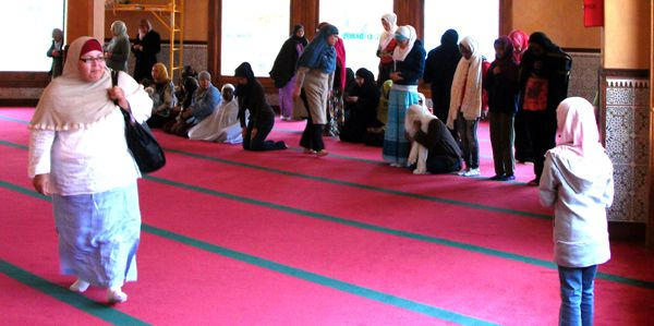 Muslim women offering their prayers on Jum'a Day at the San Francisco Mosque