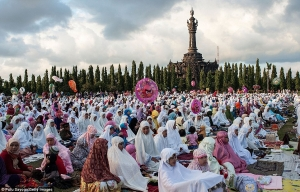 Ramadan prayers in Bali, Indonesia