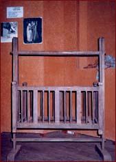 Wooden cradle  Pix. Kitsiri Wanasinghe, Anuradhapura Disrict Correspondent